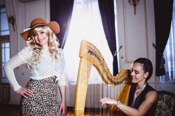 """""""Shallow"""" i """"Samo jednu ljubav imam"""" uz magiju harfe i vokala"""